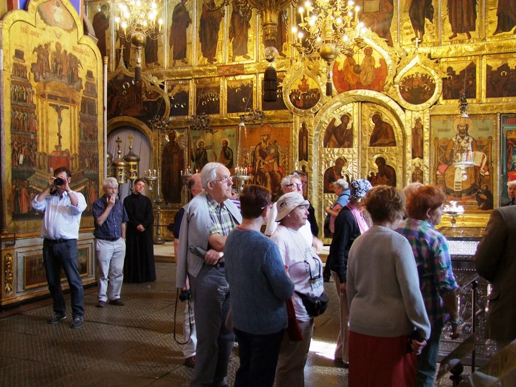 A l'interieure de la cathédrale de la Nativité.
