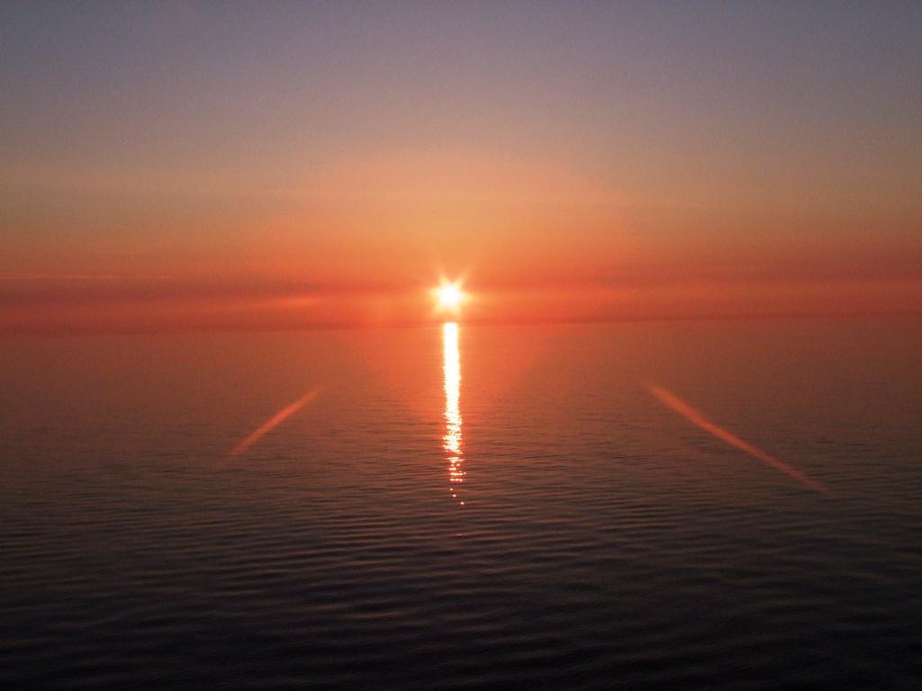Couchet du soleil sur la mer Baltique.