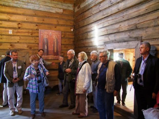 Elena nous raconte l'histoire du musée de l'architecture en bois