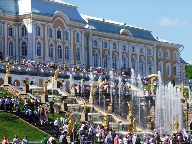 Le Grand Palais Peterhof et la Grande Cascade