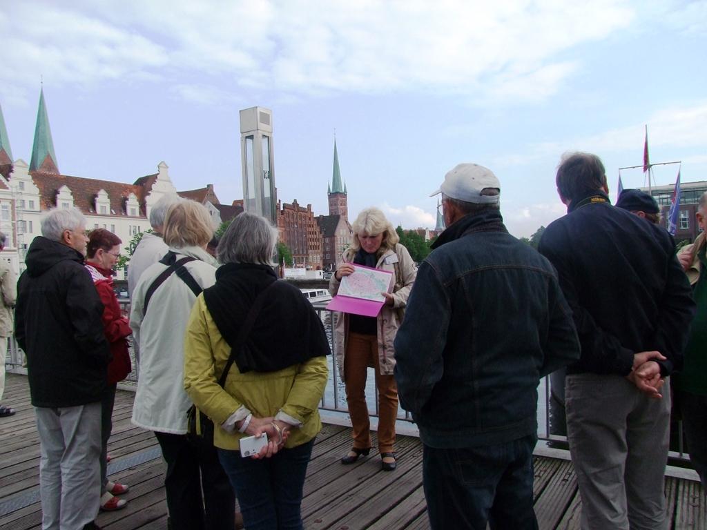 Notre guide à Lübeck Frau nous fait l'introduction sur l'histoire de la ville.