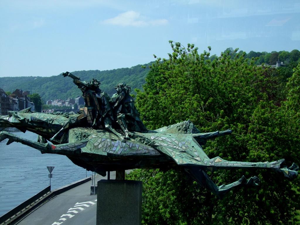 Statue de quatre frères Aymon et le cheval Bayard à Namur