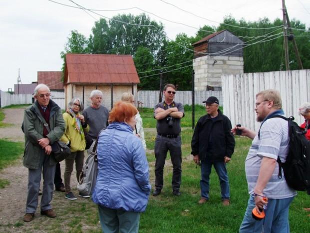 Au Goulag, dans le camp, le guide local nous raconte l'histoire du lieu.