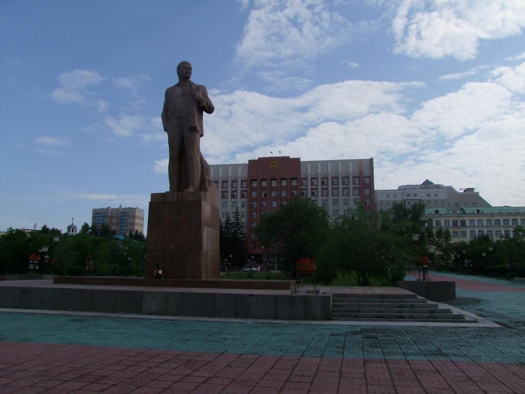 La place Lénine avec sa statue.