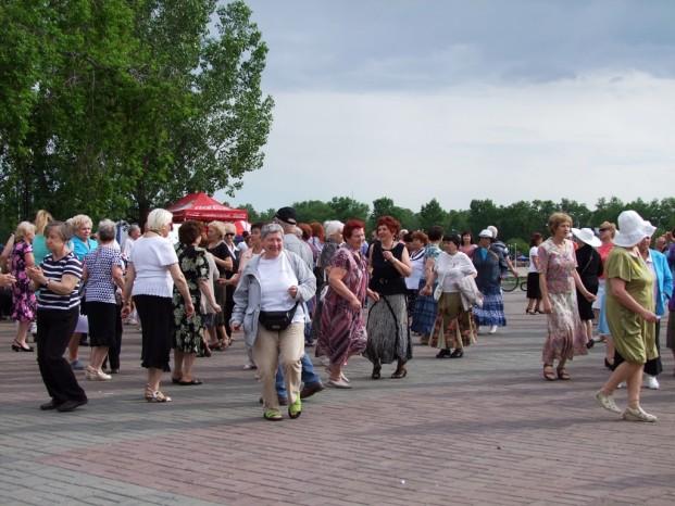 L'ambiance sur la place Alexandre III.