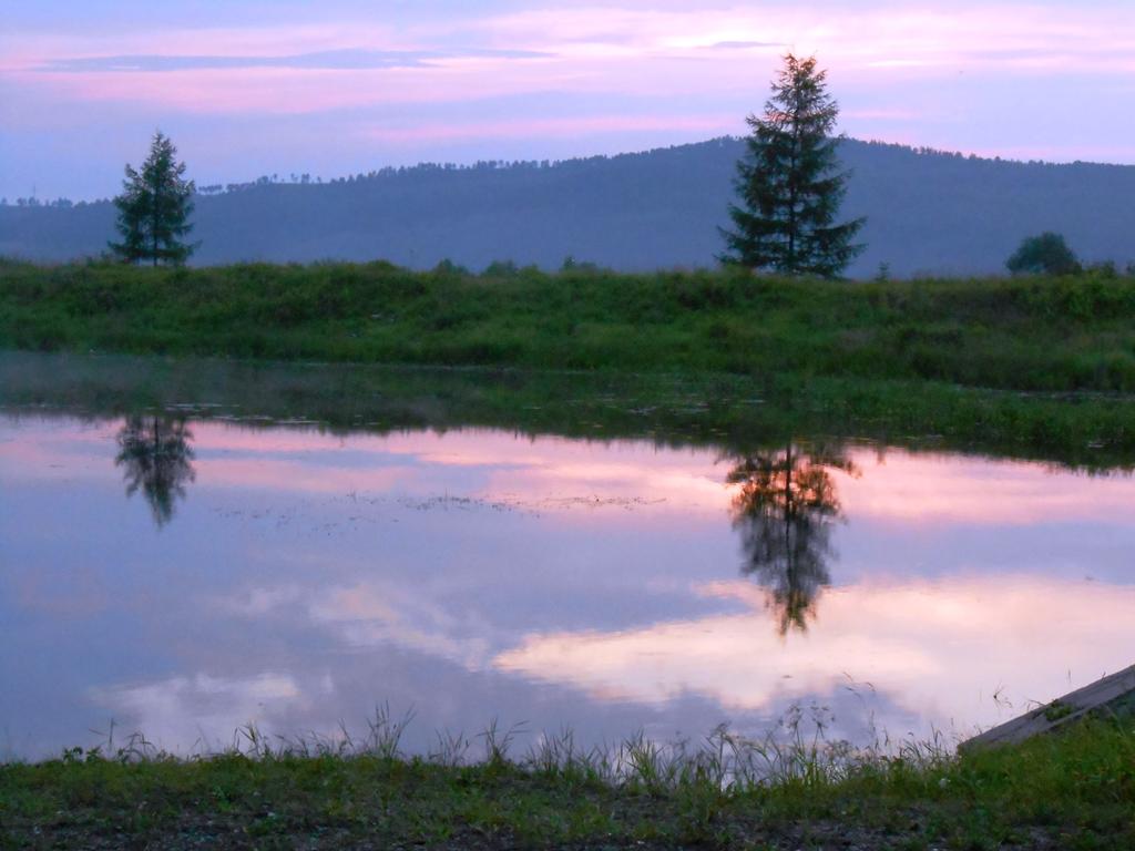 Le coucher du soleil sur le lac, Skovorodino.