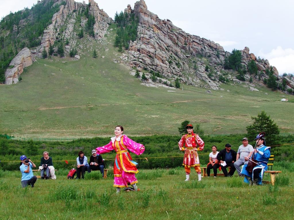 Les festivités de la fête national Nadaan.