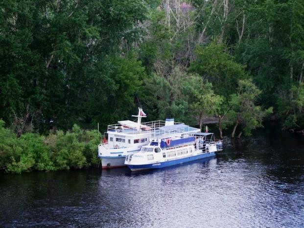 Sur la rivière Toura.