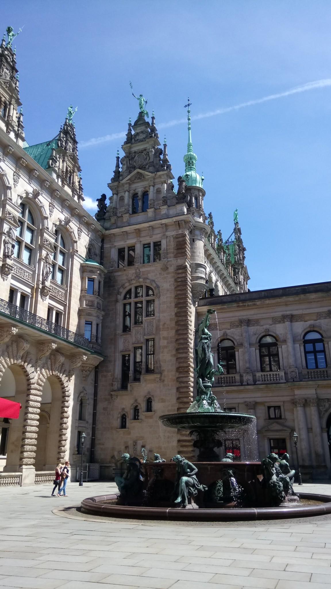 15.05. Hambourg h+¦tel. de ville